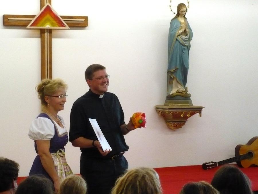 Verabschiedung von Kaplan Tobias Hartmann: Elisabeth Thusbaß, Tobias Hartmann