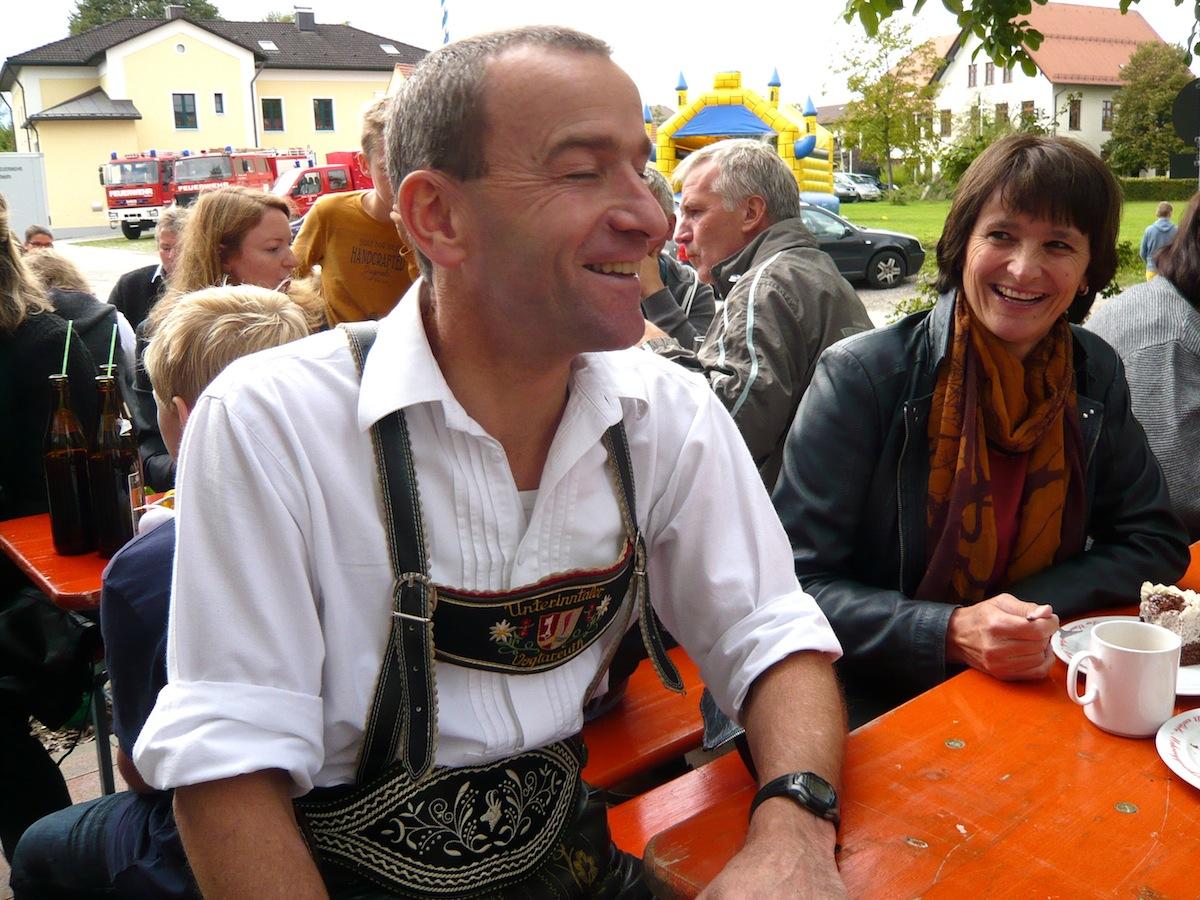 Pfarrfest Vogtareuth 2015: Spontaner Umzug ins Freie