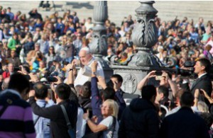 Papstaudienz auf dem Petersplatz