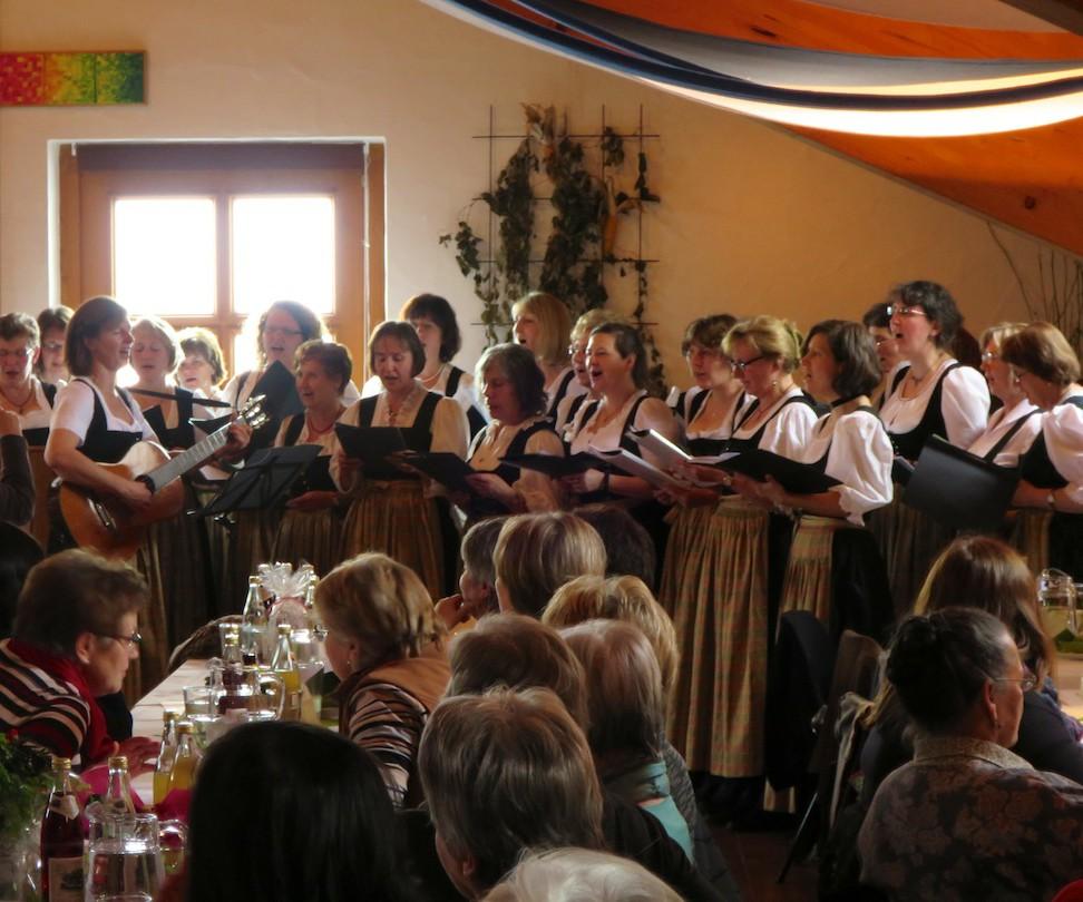 90 Jahre Frauengemeinschaft Vogtareuth: Frauenchor