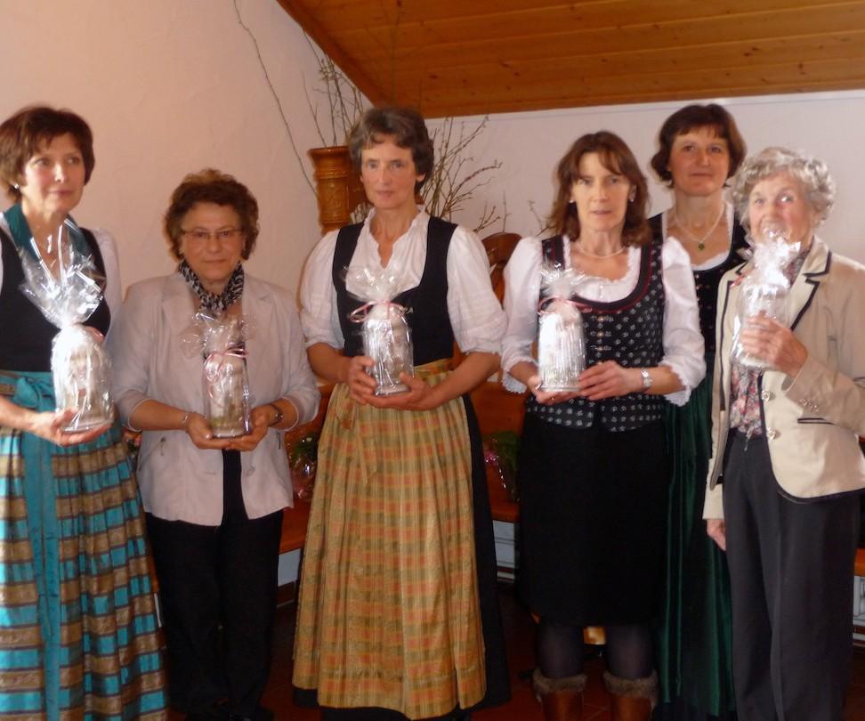 90 Jahre Frauengemeinschaft Vogtareuth: Ehrung für 30 Jahre Mitgliedschaft