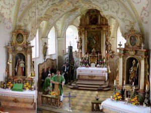 Abschluss der Außenrenovierung von St. Georg, Straßkirchen: Mittagstisch