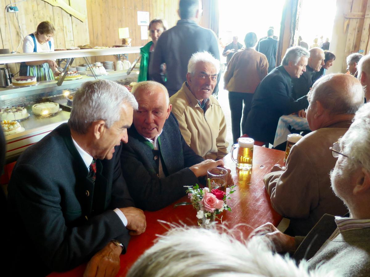 Abschluss der Außenrenovierung von St. Georg, Straßkirchen: Kirchenverwaltung Vogtareuth