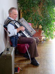 Pfarrfest Schwabering: Tafelmusik vom Simmerl