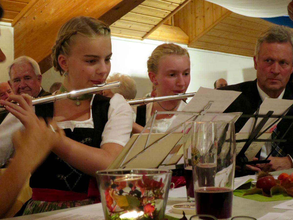 Hoagascht Vogtareuth 2016: Julia Dorn und Madgalena Mayerhofer (Flötenmusi)