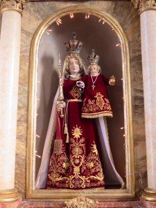 Die Straßkirchener Maria in neuem Kleid