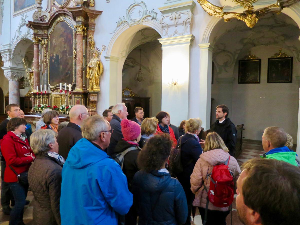 Mit Frater Johannes in der Stiftskirche St. Peter