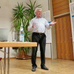 Hermann Hofstetter bei der Diskussion