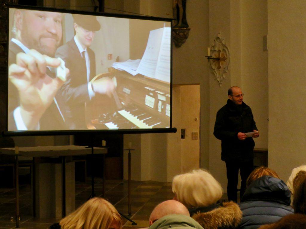 Mit Live-Übertragung von der Orgelempore